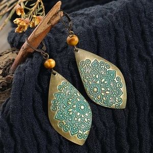 💙 BOHO Tribal Floral Turquoise Carved Earrings 💙